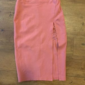 Pencil skirt with side split